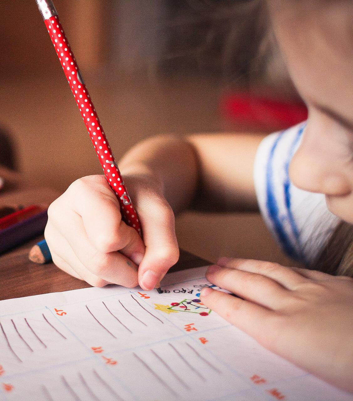 blur-child-classroom-256468 (1)
